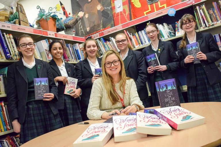 Author Gives Top Writing Tips